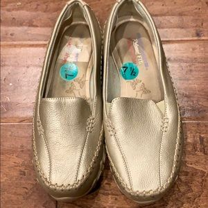 Skechers leather Gold slip on Shoes